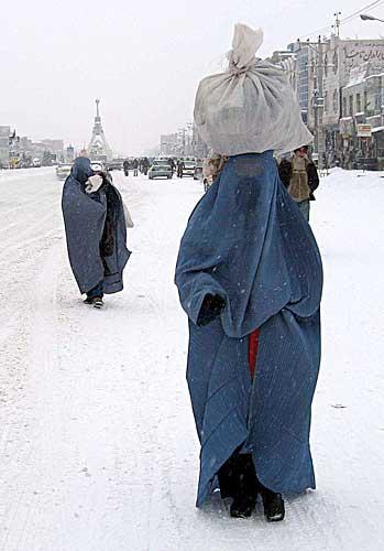 donne afgane inverno