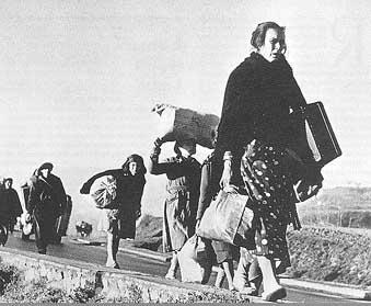robertcaparefugiados verso la frontiera francese