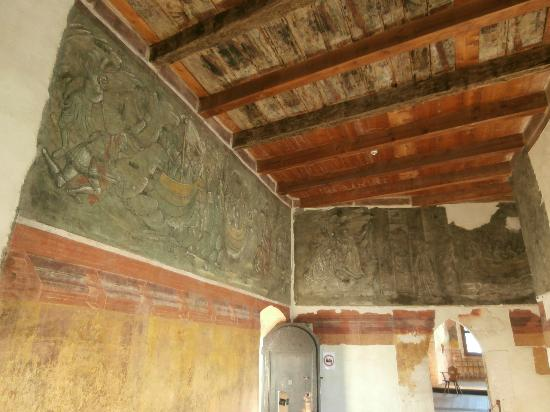castel-roncolo-affreschi tristano e isotta