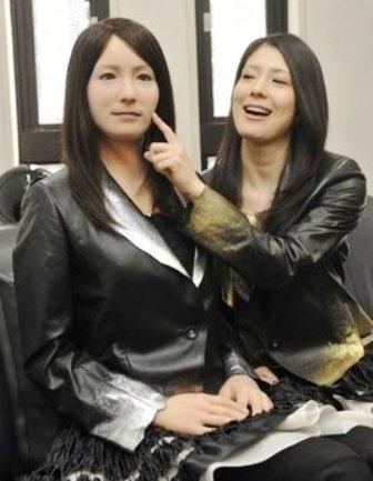 Hiroshi Ishiguro- androide femminile