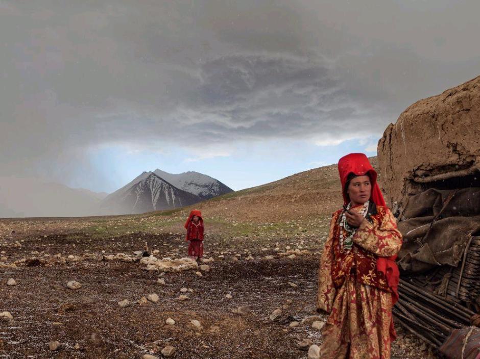 Afghanistan Ragazze kirghise in una zona vicina al Fiume Aksu