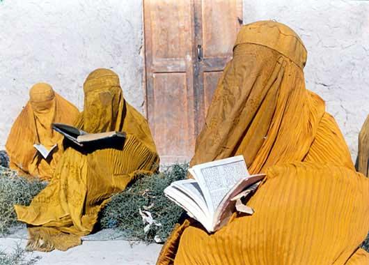 Afghan Women photo by Samira Makhmalbaf - 010