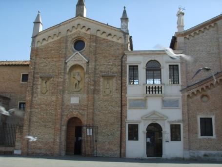 Padova,_piazza_del_santo,_oratorio_di_san_giorgio_e_scuola_del_santo