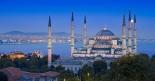La Moschea Blu, capolavoro dellÕarte islamica voluto nel Õ600 dal sultano Ahmet (foto Alamy / Milestone Media)