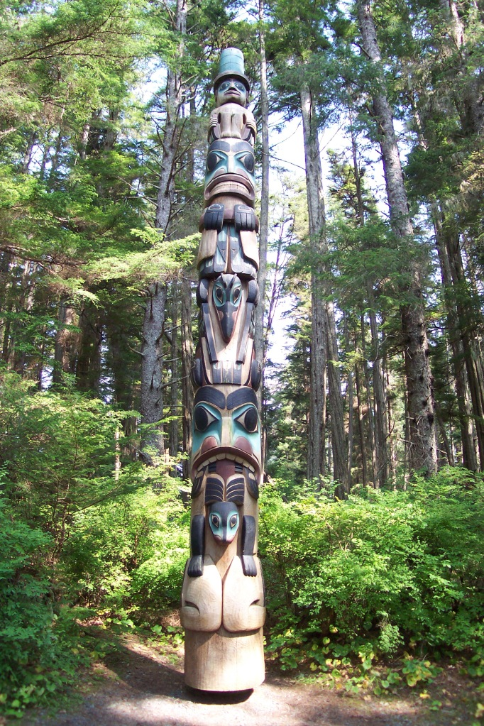 Native_Alaskan_Totem_Pole