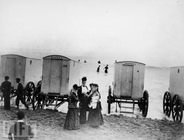 bathing-machine-beachside