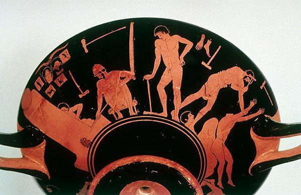 Pittore della Fonderia (sec. V a.C.) Titolo: Kylix (coppa) attica con scene di fonderia. Esterno: produzione di statue in bronzo. Da Vulci (Italia), inizio sec. V a.C.