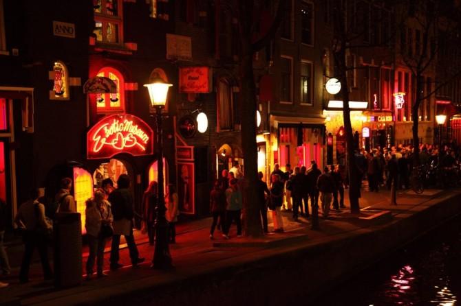 amsterdam-canale-sera-1024x682