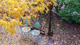 le-due-sedie-vuote