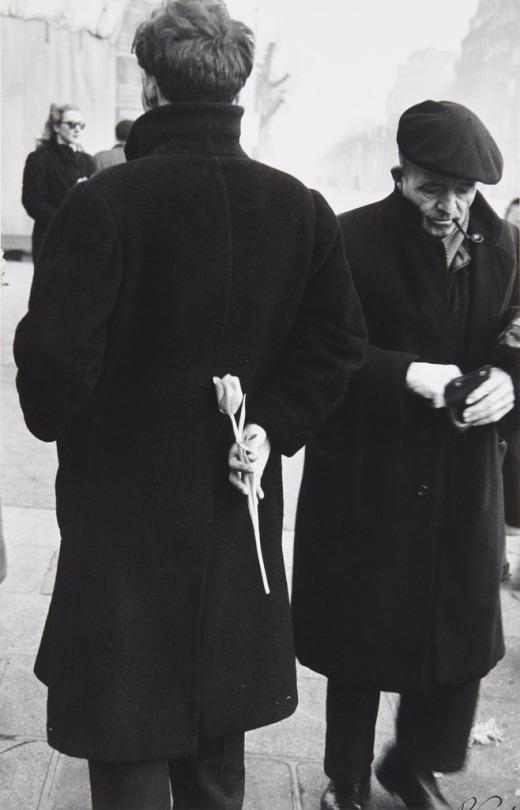 paris-new-year-young-man-with-tulip-1949-robert-frank