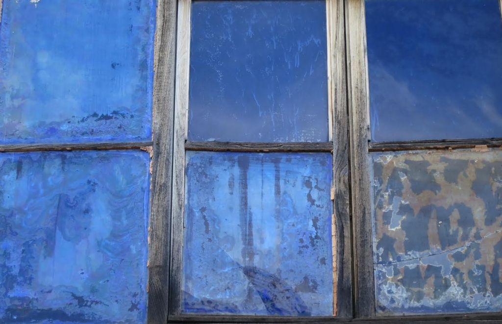 dietro-i-vetri